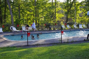 a tour of the swimming pool at Water's Edge Campground